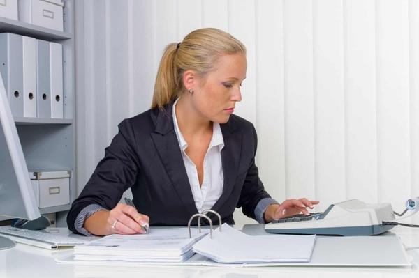 Бухгалтерам придется указывать новые коды ЦБ при выплате зарплаты