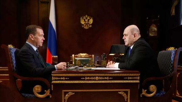Путин заменил Медведева на Мишустина