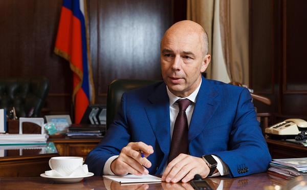 Самозанятых ограничат в профессиях, чтобы распространить новый налог на всю Россию