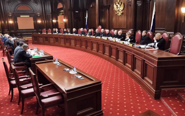 Конституционный суд приказал всем работодателям проиндексировать зарплату в 2020 году